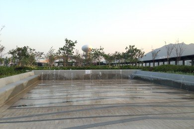 Rooftop Garden Fountain Plaza